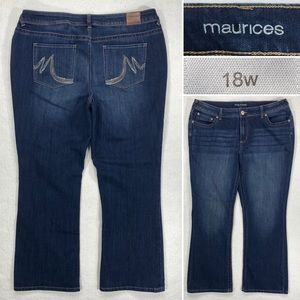 Maurices Womens Size 18 x 30 Stretch Denim Bootcut Jeans w Embroidered Pockets